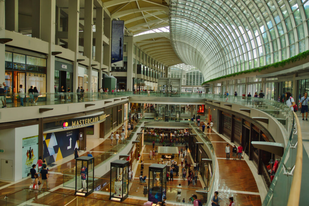 shopping in Singapore for the tourists