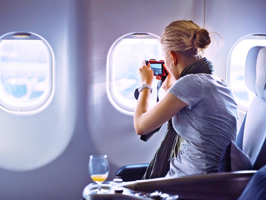 Jangan Pernah Melakukan 5 Hal Ini di Dalam Pesawat