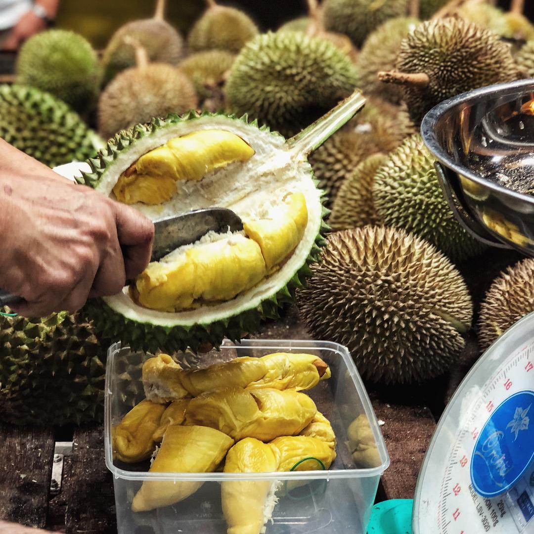 Leong Tee Fruit Trader