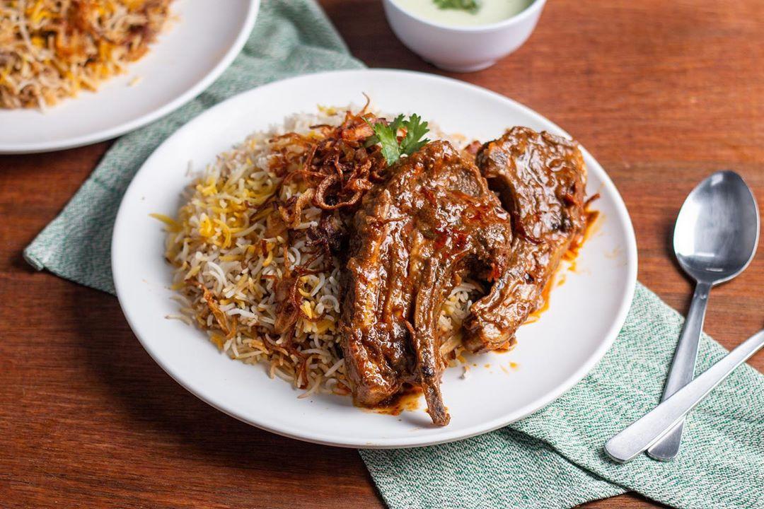 Menu Biryani dengan daging menggiurkan