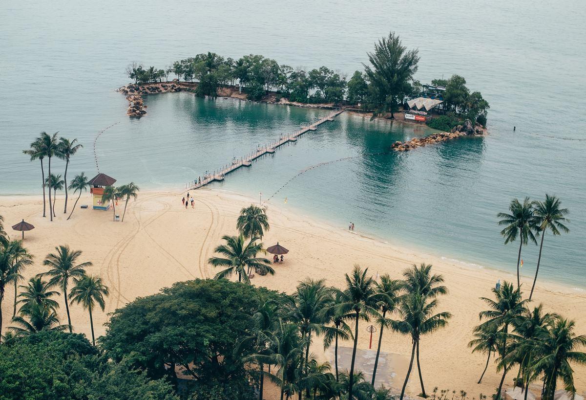 Ilustrasi Pulau Sentosa, Singapura. Photo by Annie Spratt on Unsplash