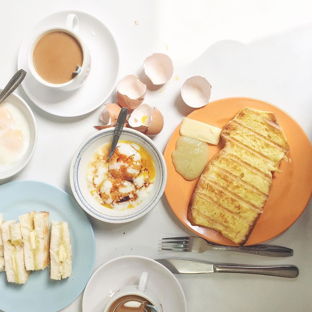 Kaya toast dan soft-boiled egg. Instagram @fundamentally_flawed