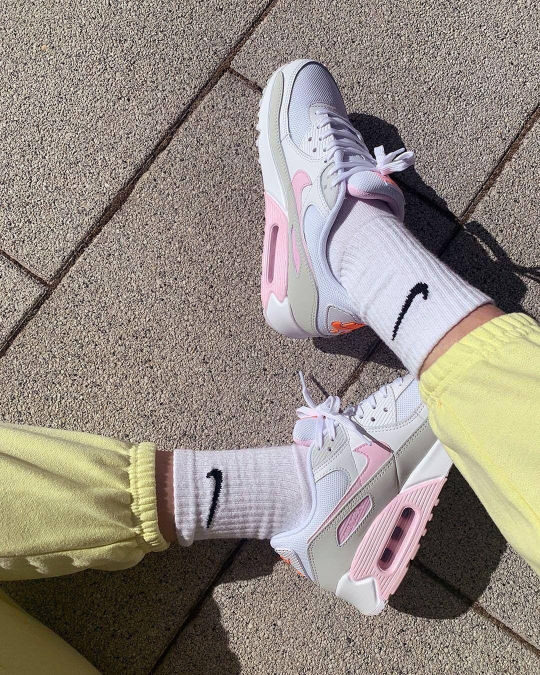 Nike Air Max. Instagram @jdsportssg