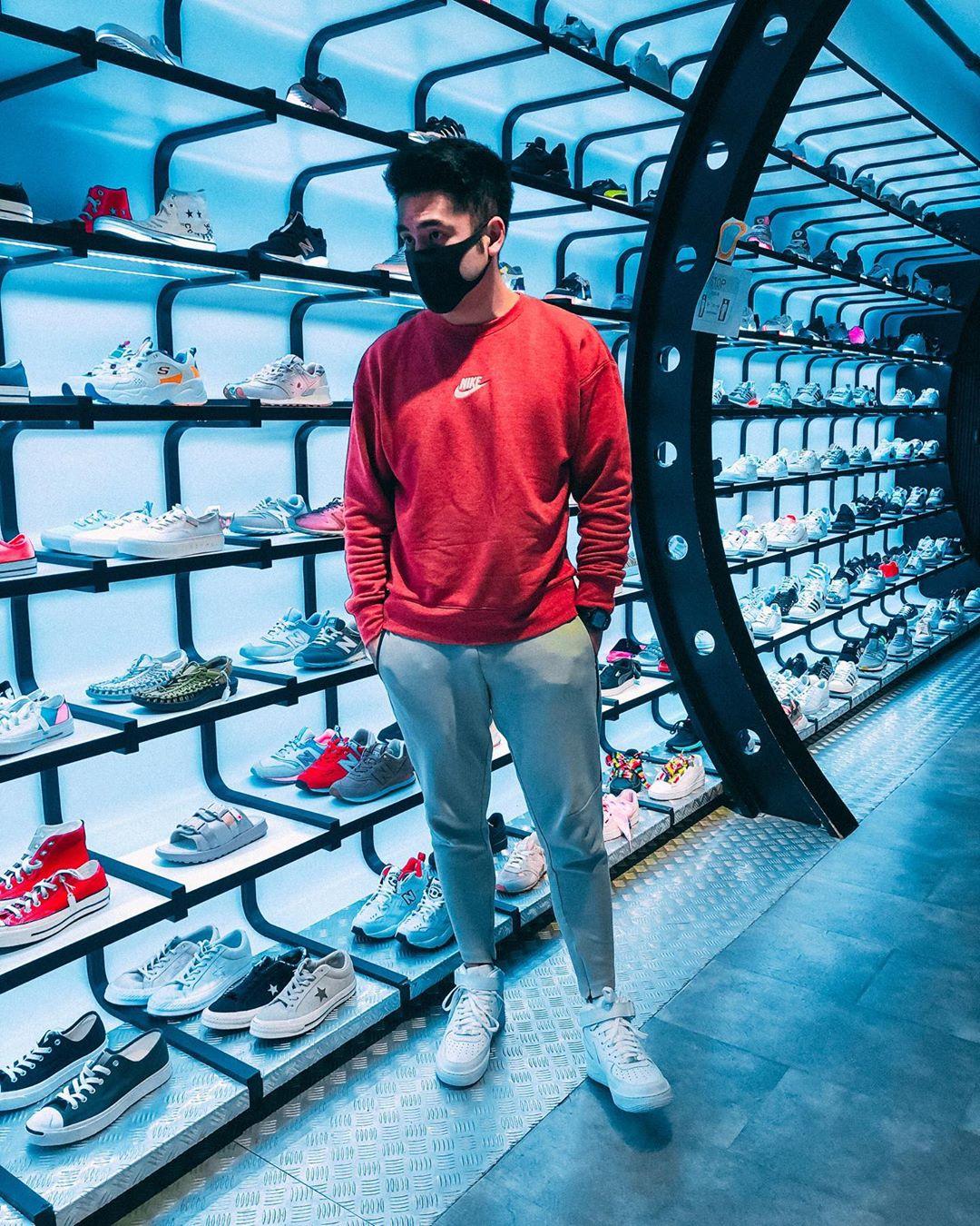 Toko sneaker di Singapura. Instagram @brandonlhd