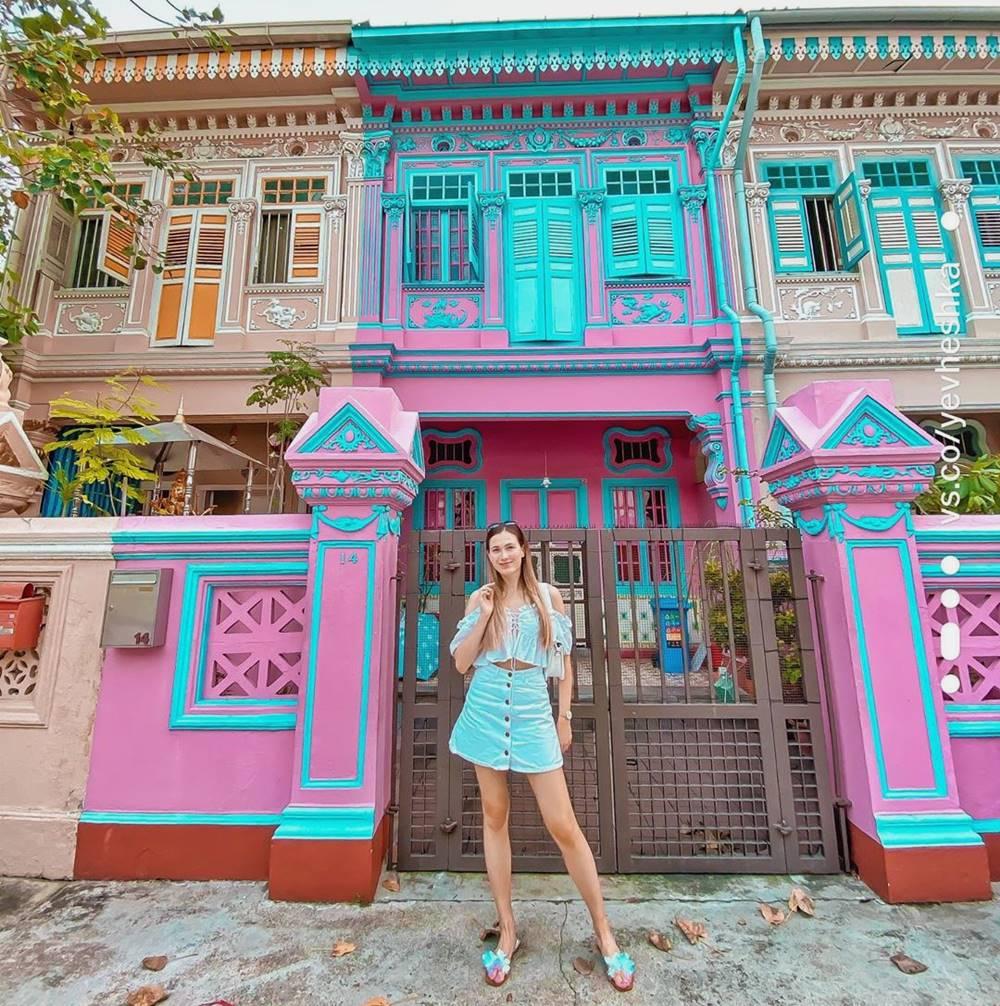 Peranakan Houses. Instagram @yevheshka