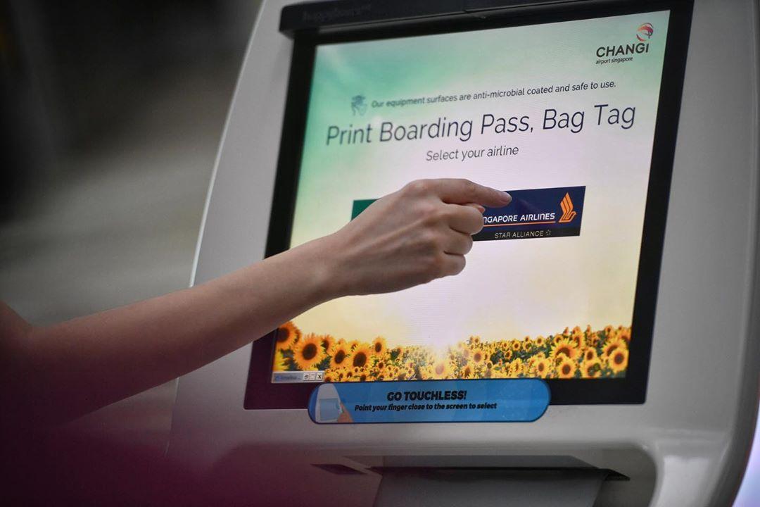 Mesin print boarding pass dan bag tag. Instagram @ariffinjmr