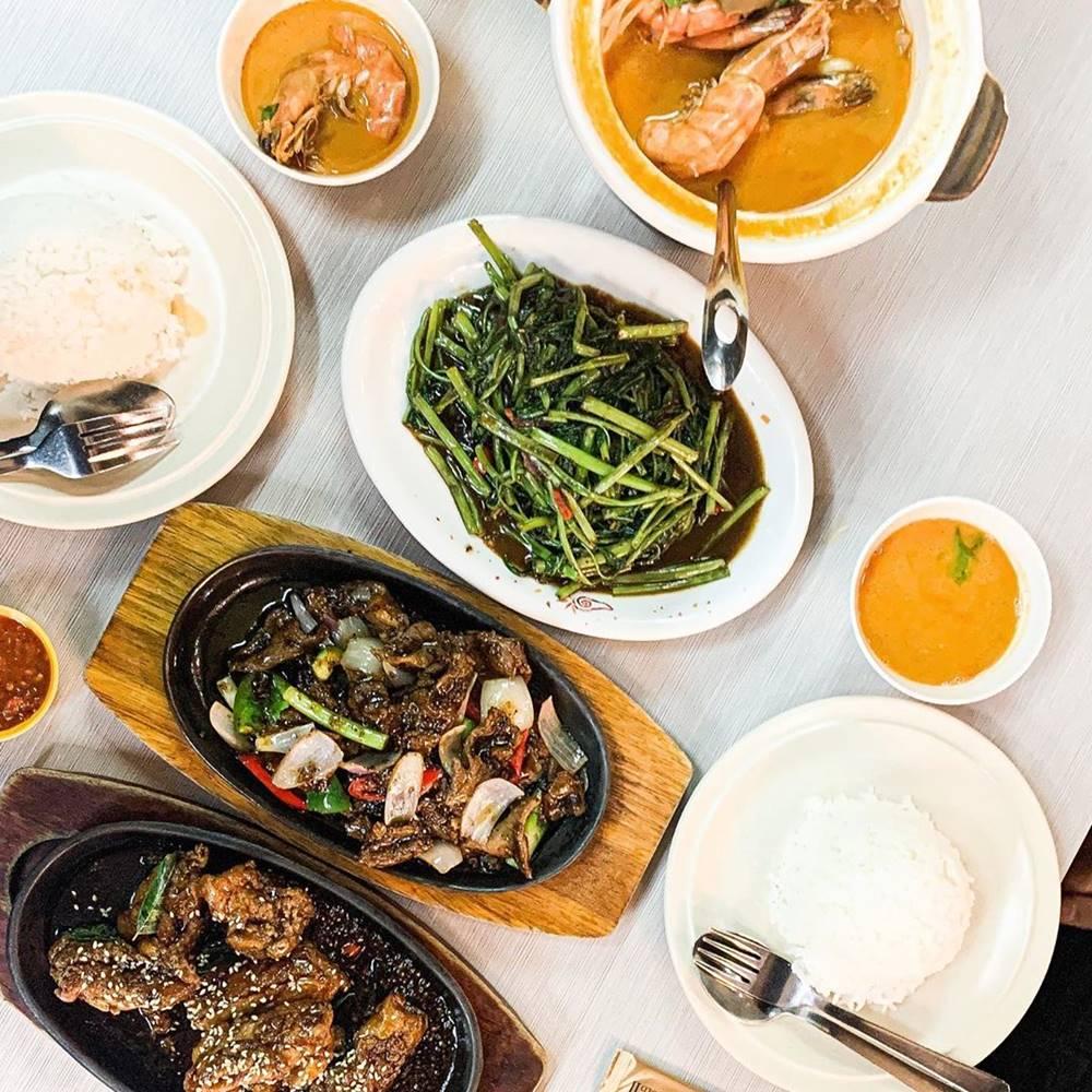 Menu di Sakura Asian Cuisine. Instagram @nxrulhamzah
