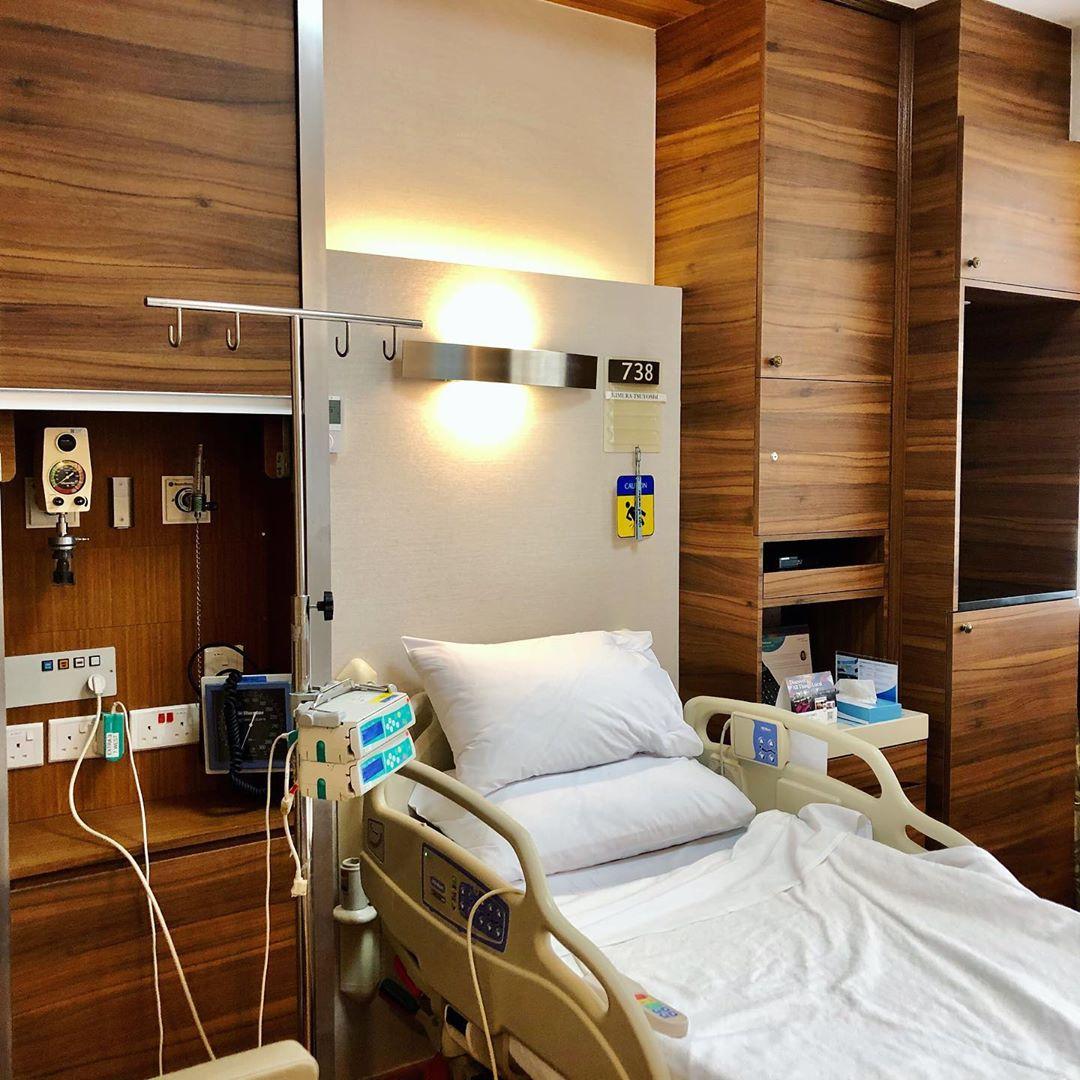 Gleneagles Hospital Singapore. Instagram @glenkimkim