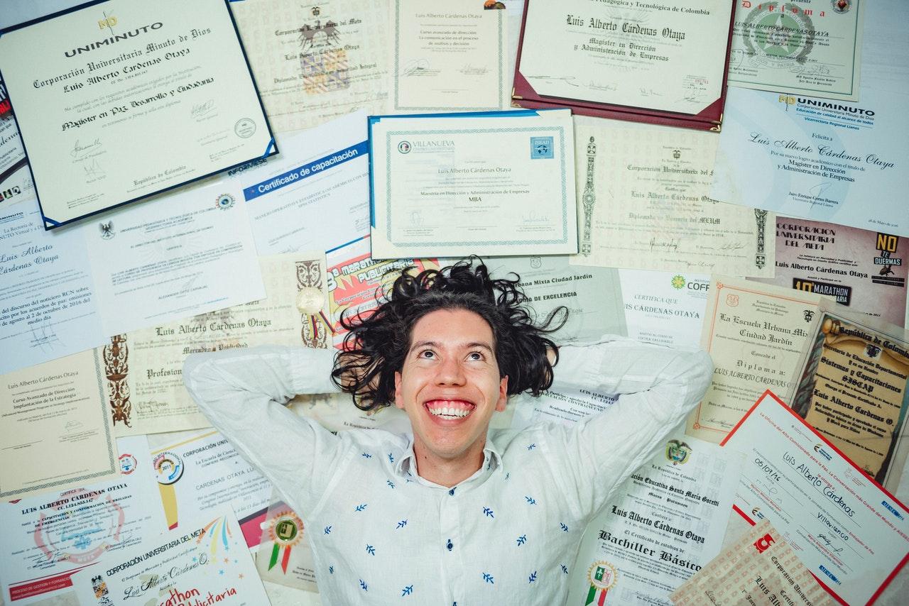 Tips Bikin CV Kerja di Luar Negeri