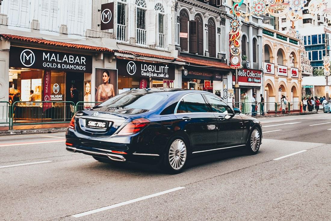 Ilustrasi mobil di Singapura dikenakan biaya cukai. Photo by Paul Silvan on Unsplash