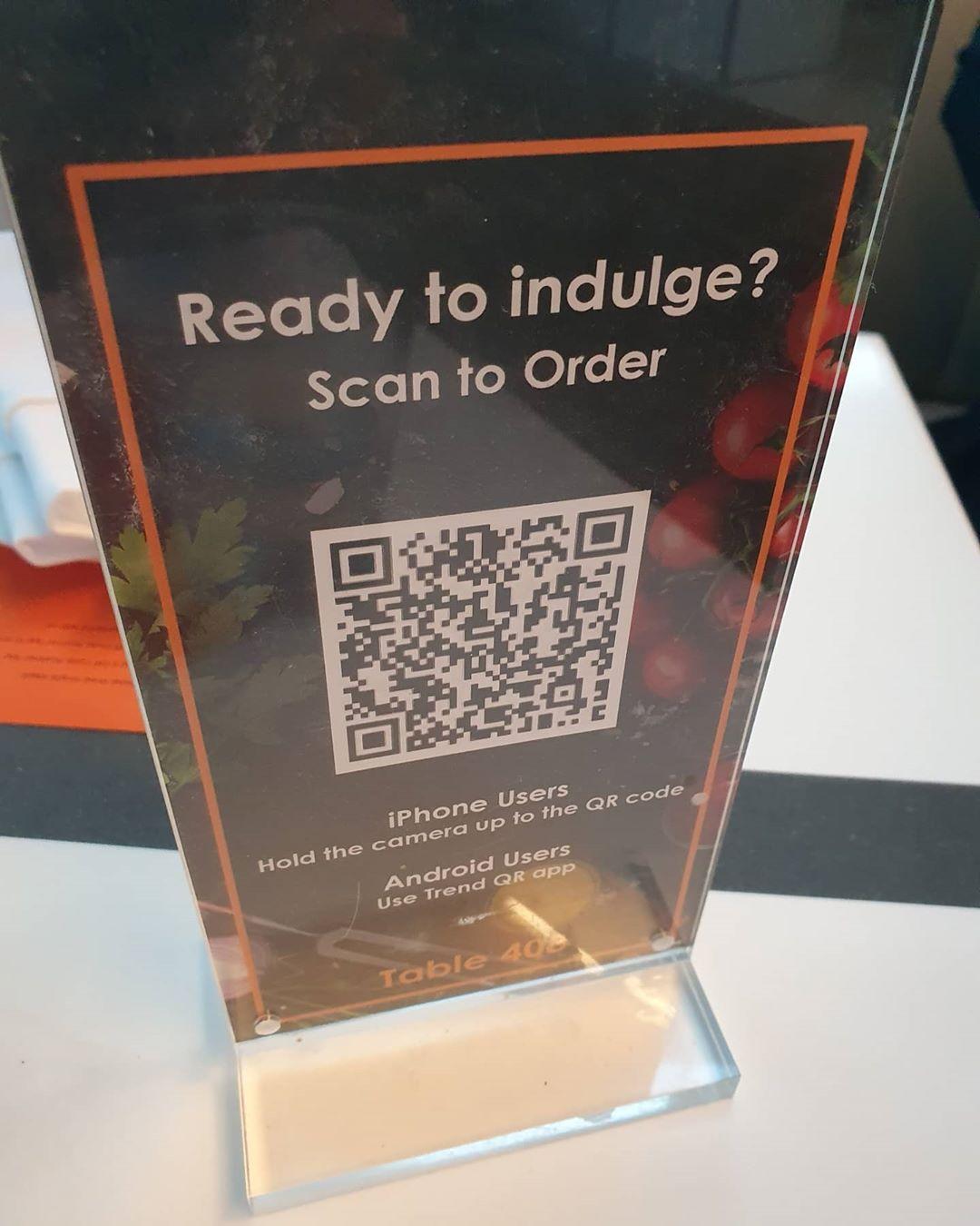 Lihat dan pesan menu dengan scan kode QR. Instagram @mightyfoodie