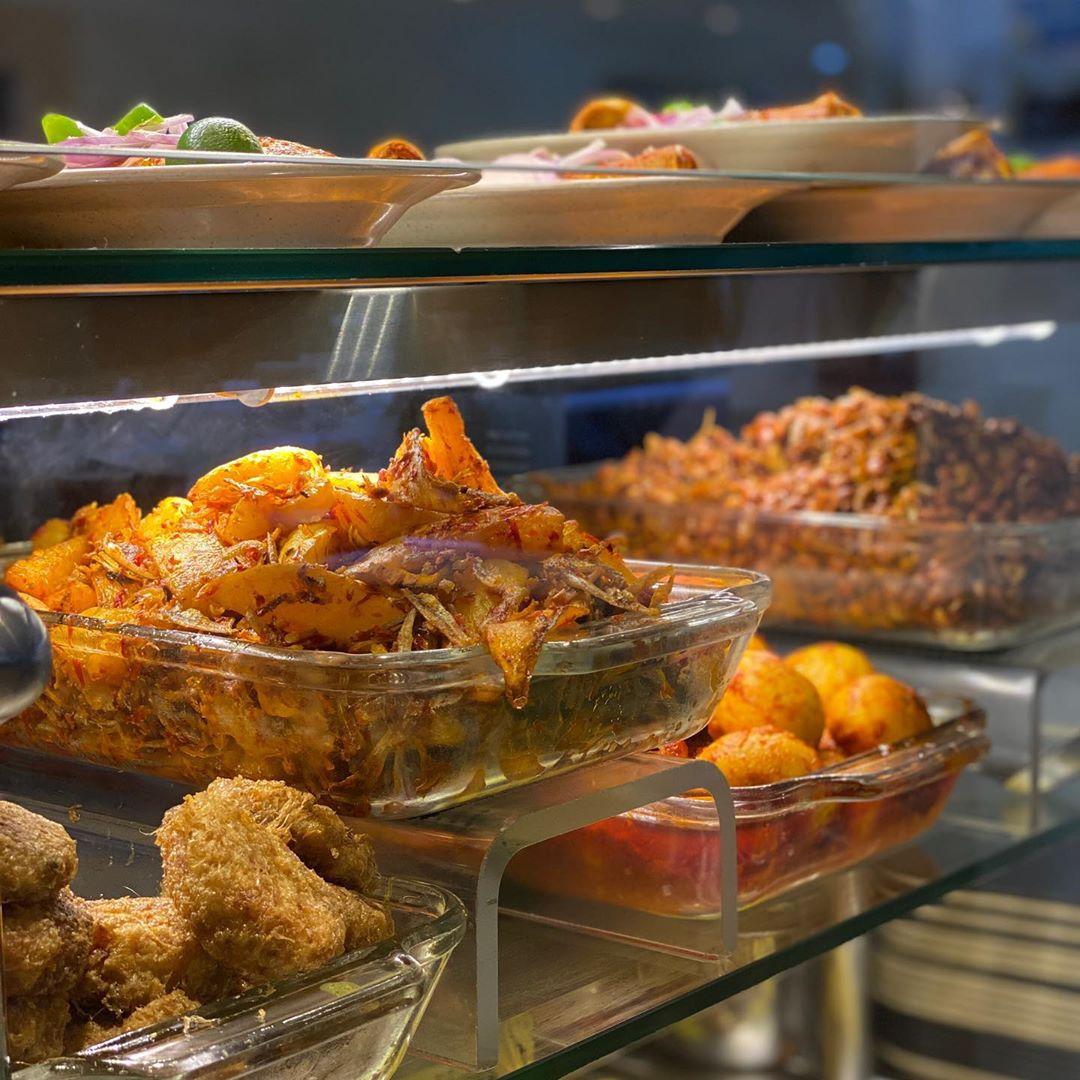 Makanan Halal Dekat Stasiun Bugis
