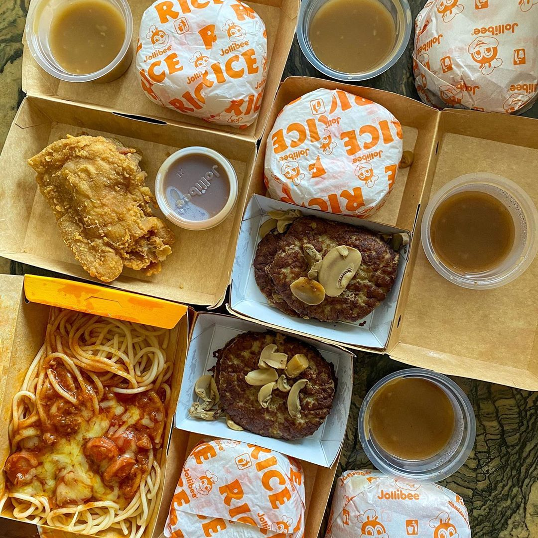 Menu makanan di Jollibee Singapura. Instagram @thehappyhungryprincess