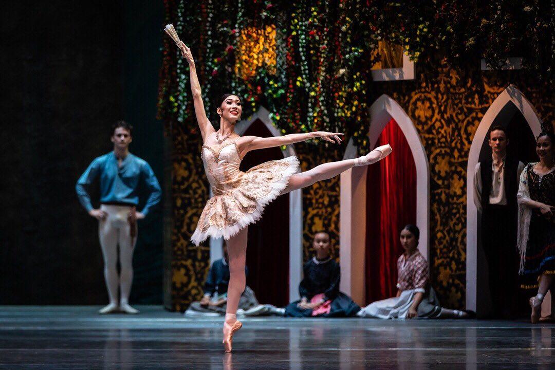 Pertunjukan ballet oleh STD. Instagram @msbern via @singaporedancetheatre