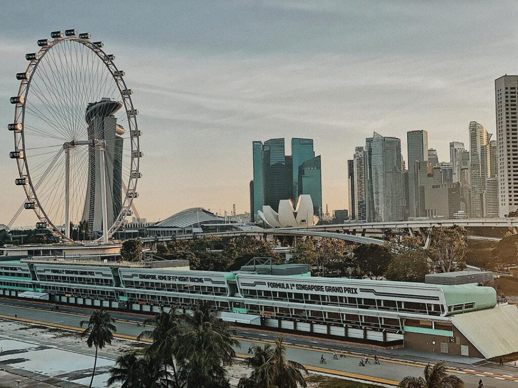 Singapore Flyer. Instagram @anamorawab