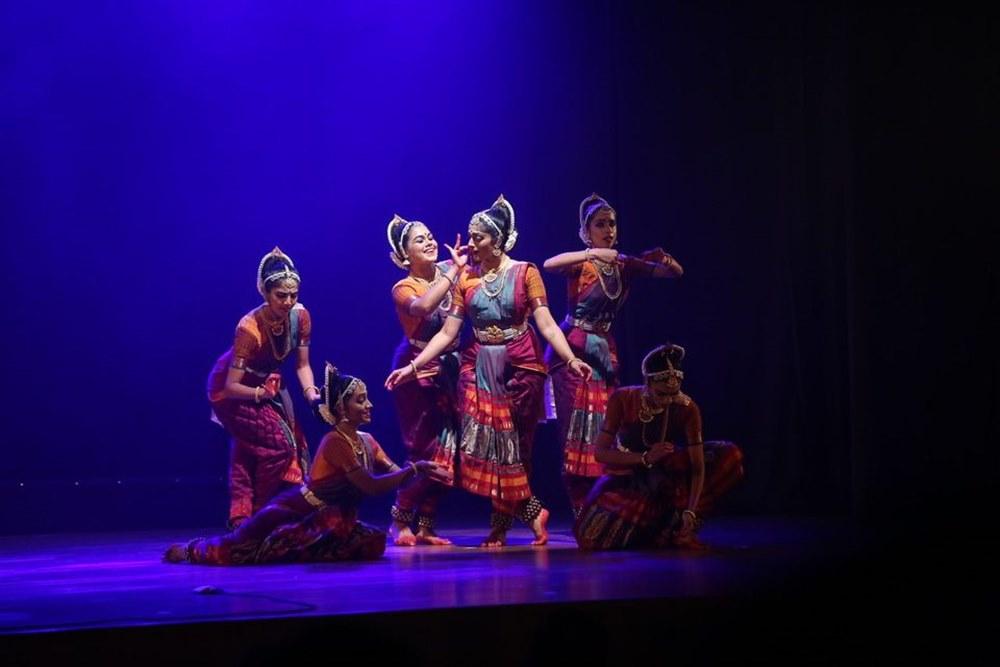 Tari India oleh Apsaras Arts Academy. Facebook Apsaras Arts