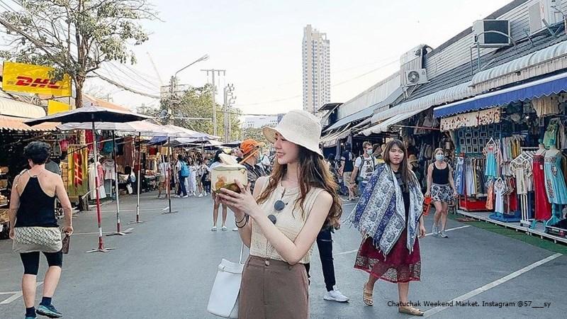 FI Chatuchak Weekend Market. Instagram @57_sy