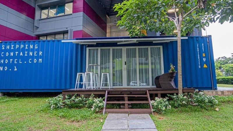Fasad Shipping Container Hotel. Instagram @shout.sg