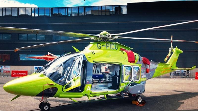 Ilustrasi ambulans udara. Photo by Fas Khan on Unsplash