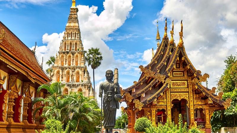 Ilustrasi kuil indah di Thailand. Photo by Mathew Schwartz on Unsplash