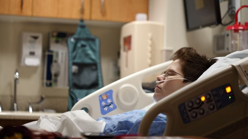 Ilustrasi pasien di rumah sakit. Photo by Sharon Mccutcheon on Unsplash