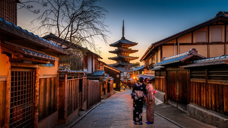 Ilustrasi suasana Kyoto. Photo by Sorasak on Unsplash