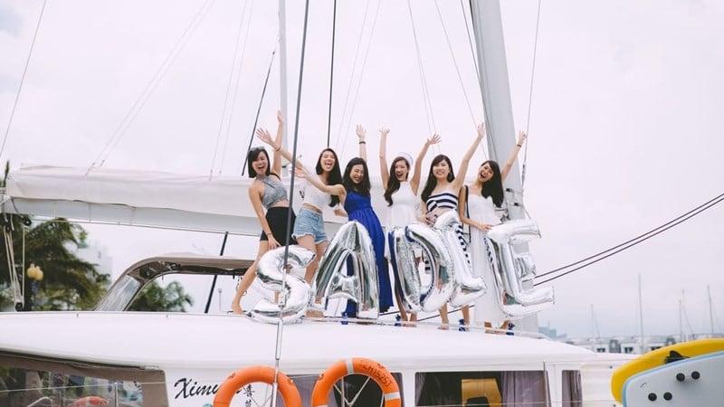 Kegiatan di yacht. Instagram @ximulasail