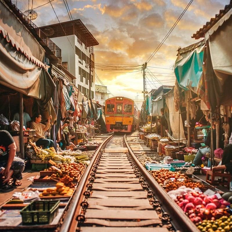 Kereta terlihat melintasi pasar. Instagram @harimaolee