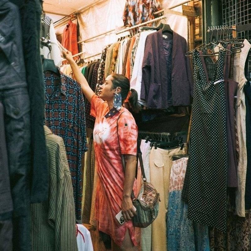Kios produk fesyen di Pasar Chatuchak. Instagram @stefaniapicelli