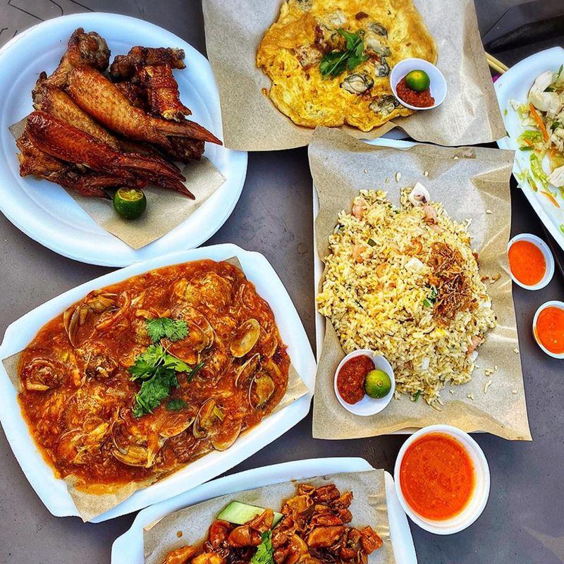 Menu di East Ciast Lagoon Food Village. Instagram @janekarmendra