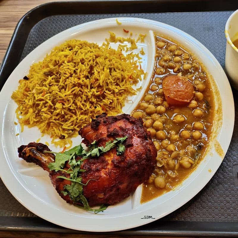 Roasted Chicken Briyani di Oasis Spice Cafe. Instagram @sarapansiangmalam