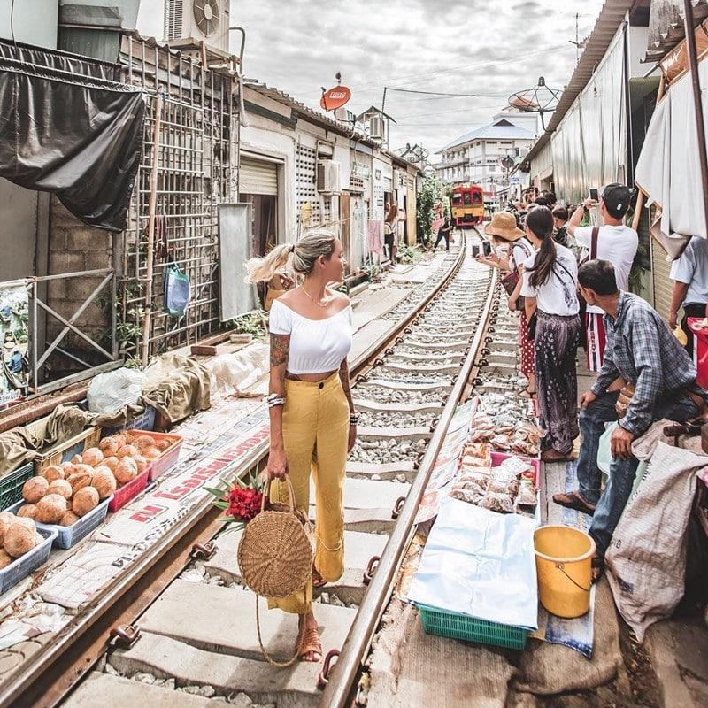 Tips berkunjung ke Maeklong Market Thailanda
