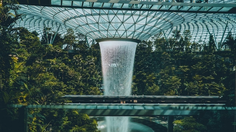 Ilustrasi Jewel Changi Airport.Photo by Marvin Chandiary on Pexels