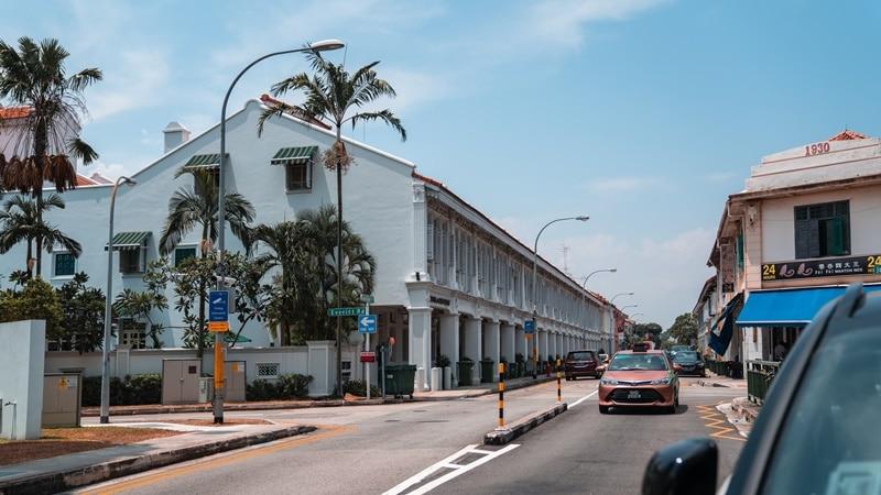 Ilustrasi Joo Chiat Road, Singapura. Photo by Weenail on Unsplash