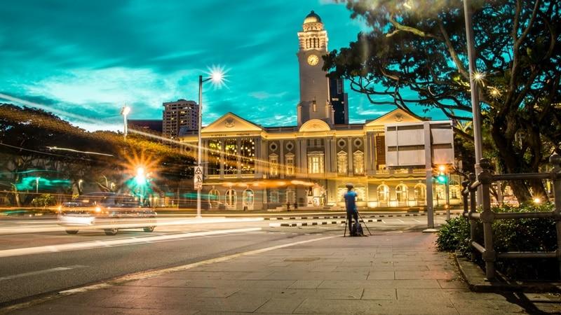 Ilustrasi Victoria Theatre, Singapura. Photo by Callous Gee on Unsplash