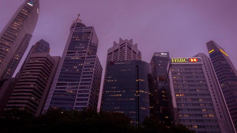 Ilustrasi gedung perkantoran Singapura. Photo by Kit Suman on Unsplash