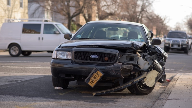 Ilustrasi mobil rusak. Photo by Michael Jin on Unsplash