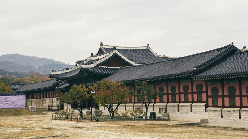 Ilustrasi rumah tradisional Korea. Photo by Tranmautritam on Pexels