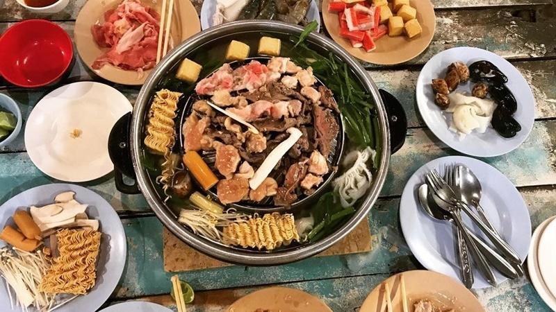 Makan Buffet Halal Food Phuket. Instagram @lida_shoes_phuket