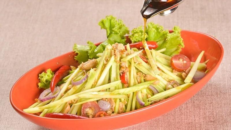 Mango Salad di Thai Wok Restaurant. Instagram @thaiwokrestaurant