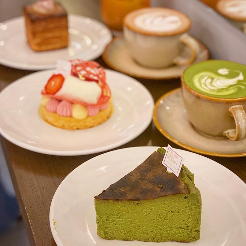 Matcha Burnt Cheesecake. Instagram @fatpigdiary