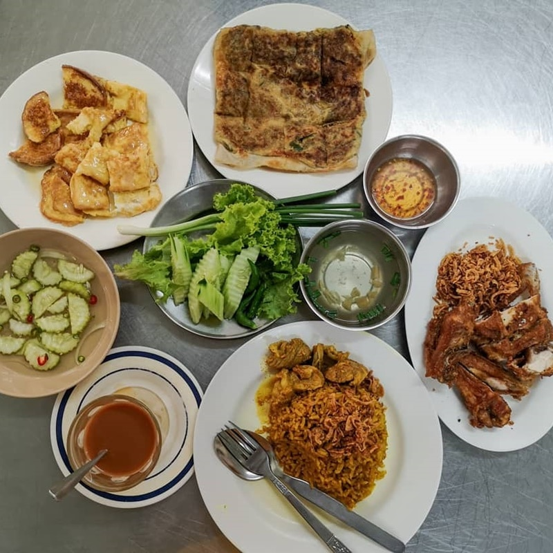 Roti Chaofa Phuket. Instagram @gee_jamjan