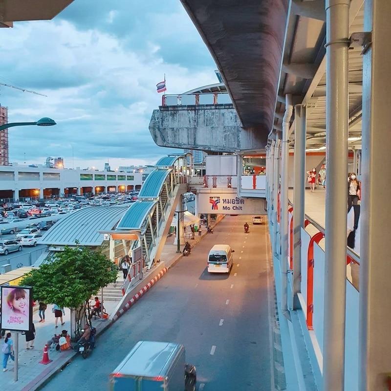 Stasiun BTS Skytrain Bangkok. Instagram @vuzdy