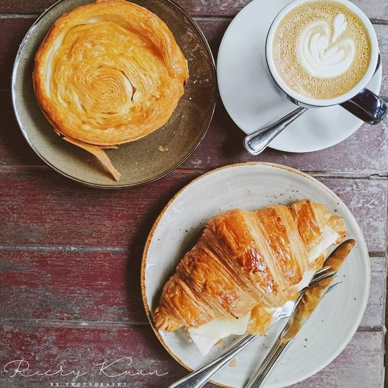 Pastry favorit di Tiong Bahru Bakery. Instagram @rfkuan