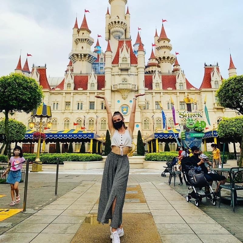 Universal Studios Singapore. Instagram @nadiarena
