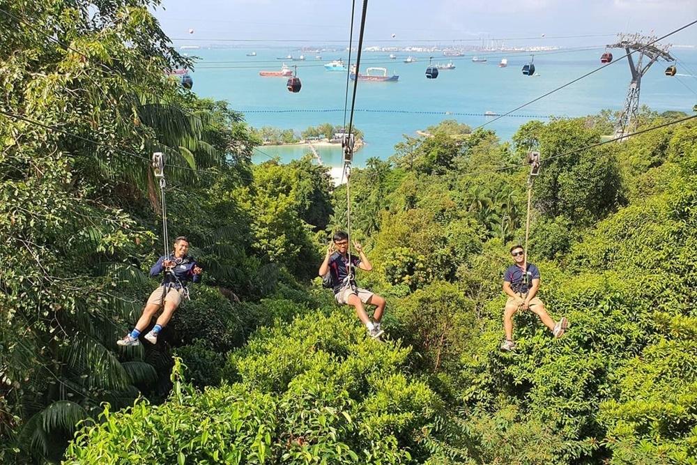 MegaZip di Mega Adventure Park, Singapura. Photo by Instagram @megaadventuresingapore
